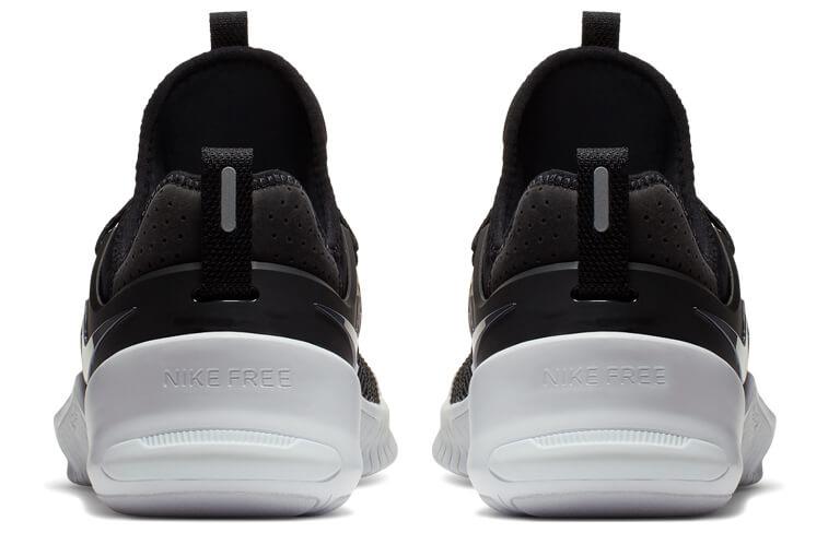 248ee17364 La tecnología de su suela, hecha de espuma, hace que ésta se flexione  perfectamente y la zapatilla se expanda en todas direcciones, ofreciendo  una pisada ...